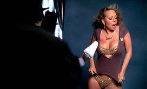Kur dekolteja e tepruar kryqëzon Mariah Carey