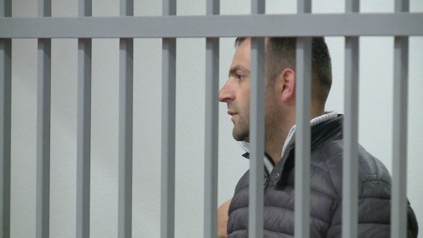Burg përjetë Denis Shtrazës