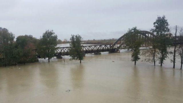 Rëndohet situata e përmbytjeve vend