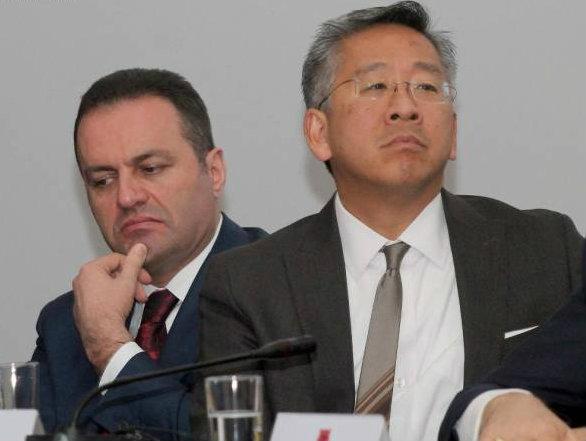 Adriatik Llalla i përgjigjet diplomatit amerikan pasi e akuzoi si të korruptuar