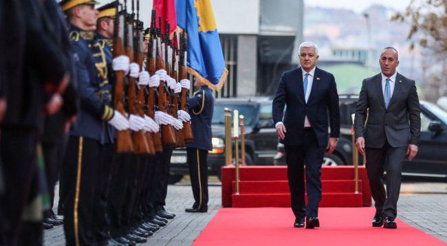 Mali i Zi uron Kosovën për vizat