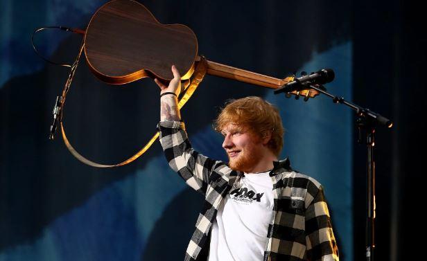 Ed Sheeran bën një veprim të çuditshëm