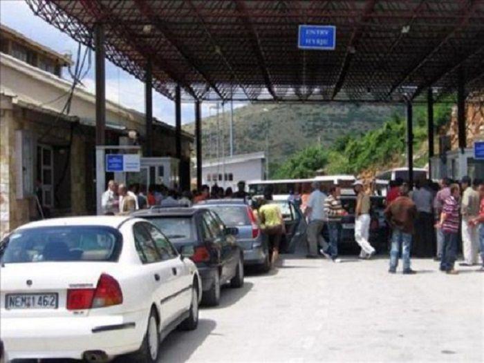 Fluks në pikën kufitare në Kapshticë  6 sportele në dispozicion