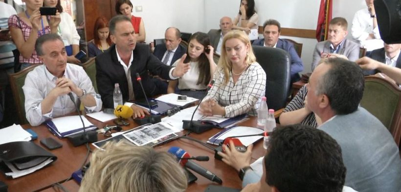 teatri-debate-ne-komisionin-e-medias
