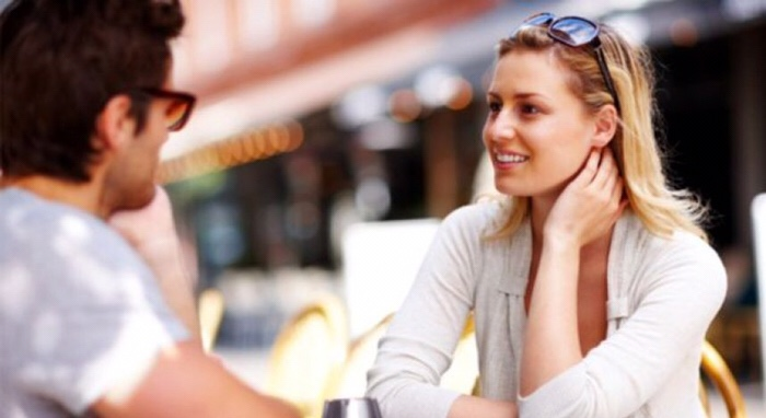 Vëmendje  gjestet që nuk duhet të bëni kurrë kur të jeni në takim