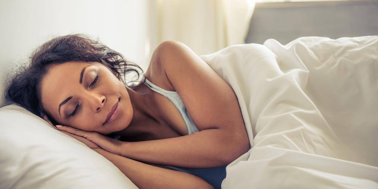 Kurrë mos shkoni në shtrat pa bërë këto dy veprime