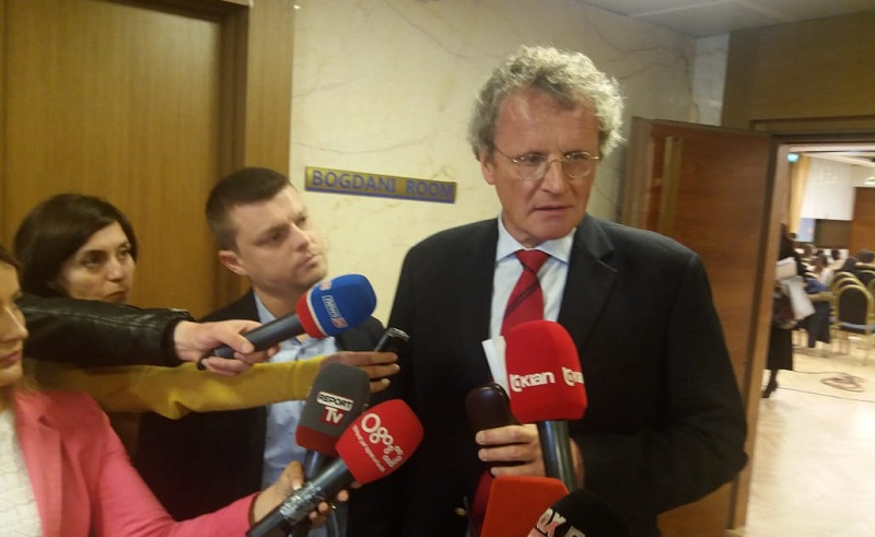 Borchardt  Opozita ndezi fitilin që i vë flakën të gjithë sistemeve parlamentare