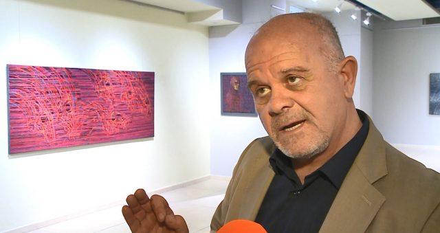 Adrian Devolli hap ekspozitën  përgjithmonë kanavace