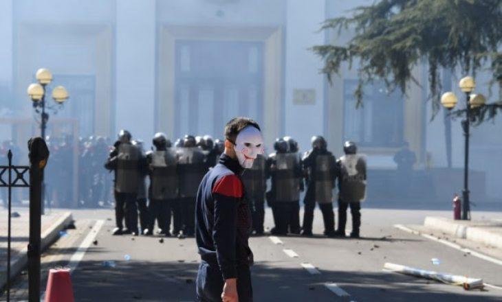 Protestuesit para gjykatës  jepen masat e sigurise për 17 të arrestuarit