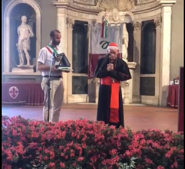 Kardinali shqiptar Ernest Simoni Troshani merr titullin Filo d Argento