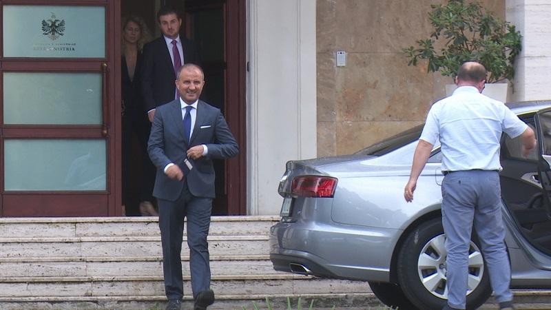Garda e Republikës merr në mbrojtje ambasadorin Soreca