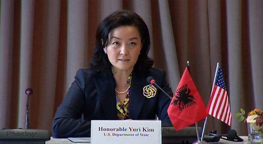 """""""Të nisin negociatat pa vonesa""""/ Ambasadorja Kim: SHBA mbështet integrimin e Shqipërisë dhe RMV"""
