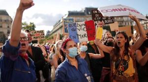 Protesta në Francë për dorëheqjen e ministrit të Brendshëm  të hetuar për përdhunim