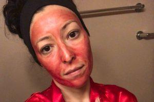 Njihuni me gruan që përdor gjakun e periodave në fytyrën e saj