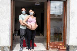 Studimi/ Shtatzënat mund të infektojnë fetusin, aziatikët dhe afrikanët më të rrezikuar nga Covid-19