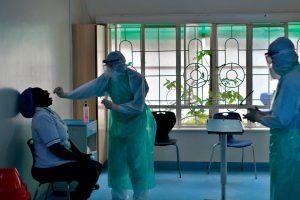 """Të """"dorëzuar"""" përballë kushteve të vështira të punës, qindra mjekë futen në grevë"""