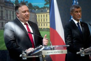 Pompeo: Ruani demokracinë, Kina e Rusia po përpiqen të influencojnë në Europë