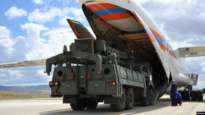 Media: Turqia bëri provë me sistemin e mbrojtjes ajrore që bleu nga Rusia