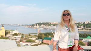 Gazetarja ruse i vë flakën vetes para Ministrisë së Brendshme