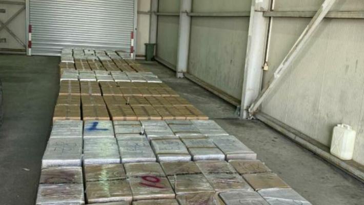 Sasia 2.6 ton e marijuanës së kapur në Malin e Zi mund të jetë ngarkuar në Shqipëri