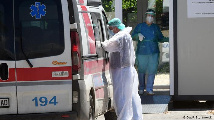 22 viktima dhe mbi 1,100 të infektuar me koronavirus në Maqedoninë e Veriut