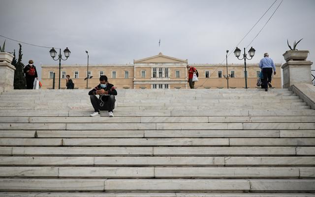Nga e shtuna, bllokim total në Greqi/ Ngelen të hapura vetëm shkollat fillore