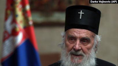 Vdes nga Covid kreu i Kishës Serbe Irinej, njeri me shumë ndikim në Beograd