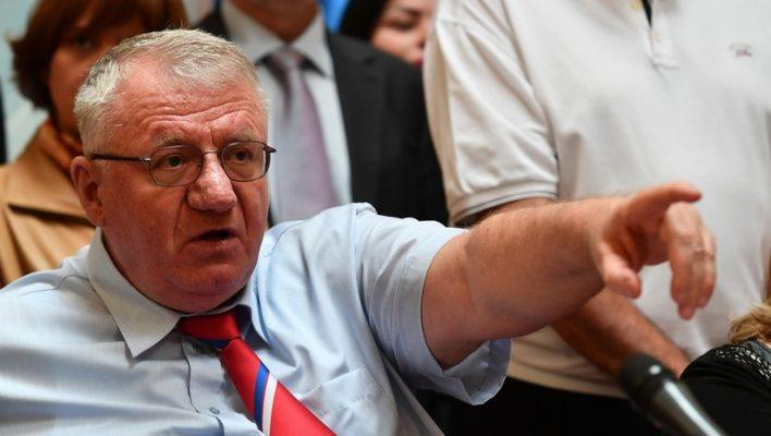 Politikani serb: Mezi pres që ushtria serbe të futet në Kosovë