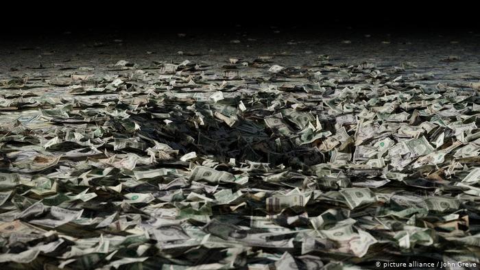 Opinion: Mos e lini barrën e borxheve tek fëmijët e nipërit tanë