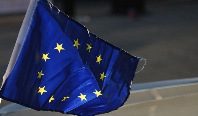 Koment/ Evropa do të pendohet që po i shet kaq lirë vlerat e saj