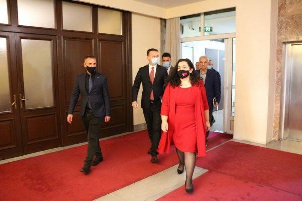 Osmani kërkon mbështetjen ndërkombëtare për ndjekjen e krimeve serbe
