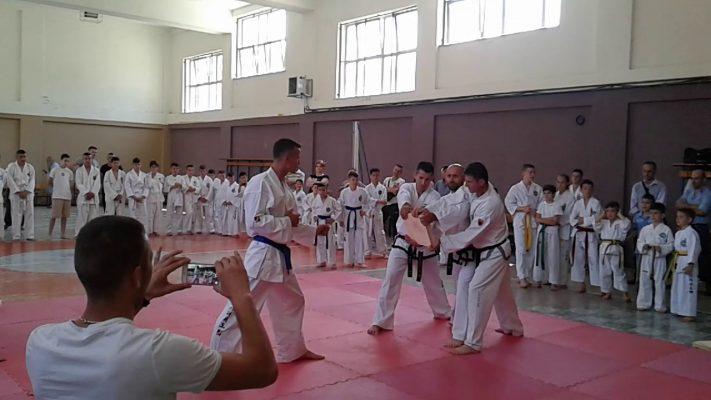Të stërvitesh në artet marciale/ Renaldo Bizhga tregon objektivat për përfaqësimin e ngjyrave kuqezi