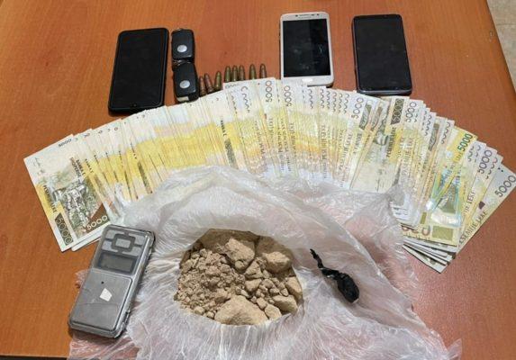 Zbulohen qindra doza me heroinë në Durrës, dy të arrestuar në flagrancë
