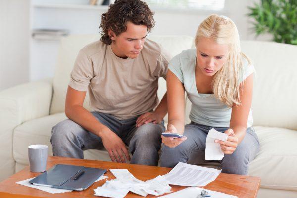 4 rregulla të arta për të menaxhuar sa më mirë kursimet në çift