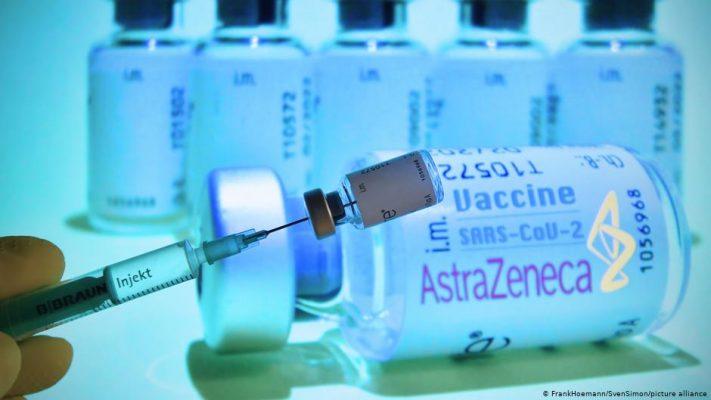 Përplasja për vaksinat/ AstraZeneca i përgjigjet Bashkimit Evropian