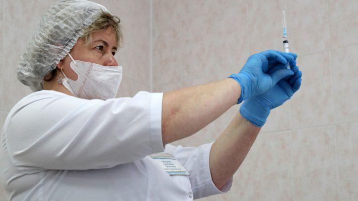 Hungaria heq dorë nga vaksina ruse kundër COVID