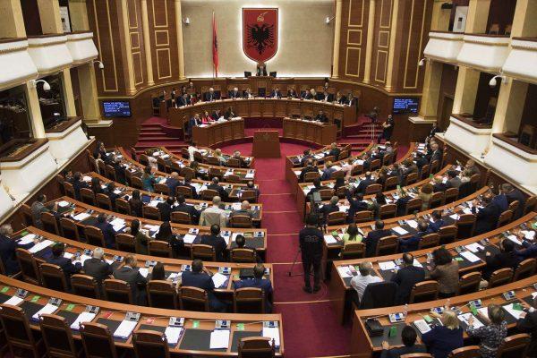 """Kuvendi miraton ngritjen e Komisionit Hetimor për 25 prillin/ Rrëzohet """"Bechetti"""""""