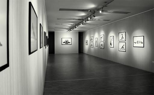 """Hapsirë e re për artin pamor/ """"ArtOn"""" sjell ekspozimin e veprave në vende publike"""
