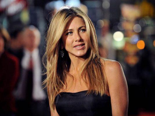 Jennifer Aniston tregon sekretin e gjyshes së saj për zhdukjen e rrudhave të syve