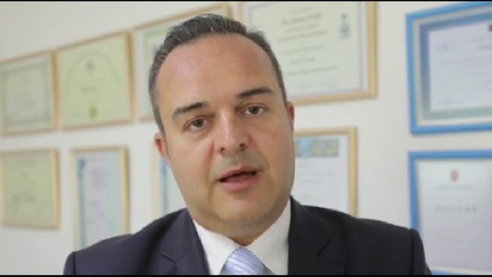 SPAK i gjen Edvin Priftit një bllok me emrat dhe paratë që u ka marrë pacientëve