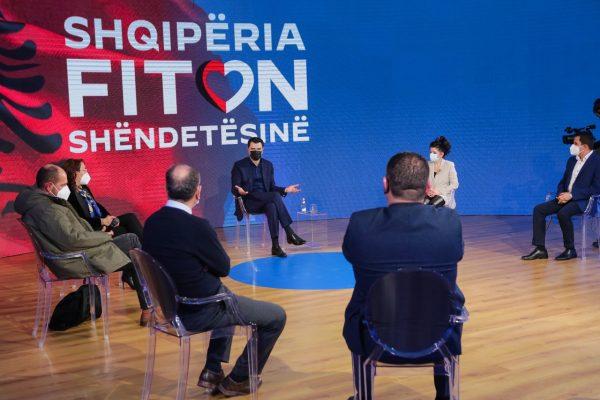 Basha: Mjekët do i paguajmë 1200 euro ndërsa infermierët 700 euro