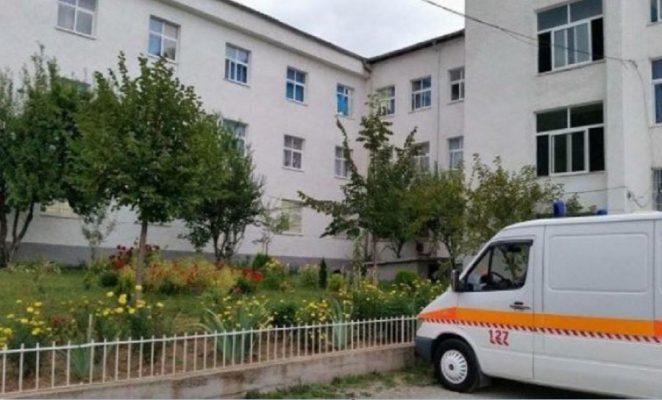 Kishin shkuar për ekskursion/ Helmohen dy nxënëse në një lokal në Pogradec