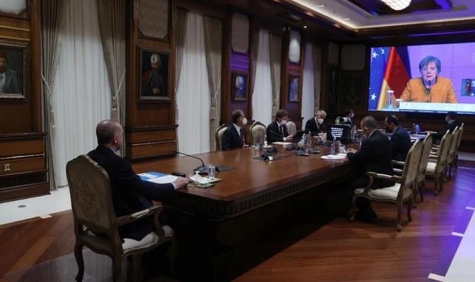 Erdogan ankohet te Merkel: Greqia na provokon!