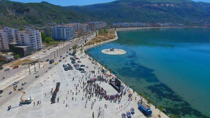 Vlora hap sezonin turistik, më shumë vizitorë këtë vit
