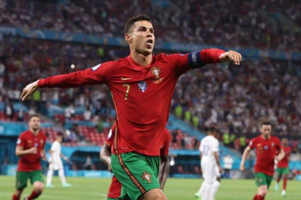 Uefa zgjedh formacionin më të mirë të Europianit deri tani