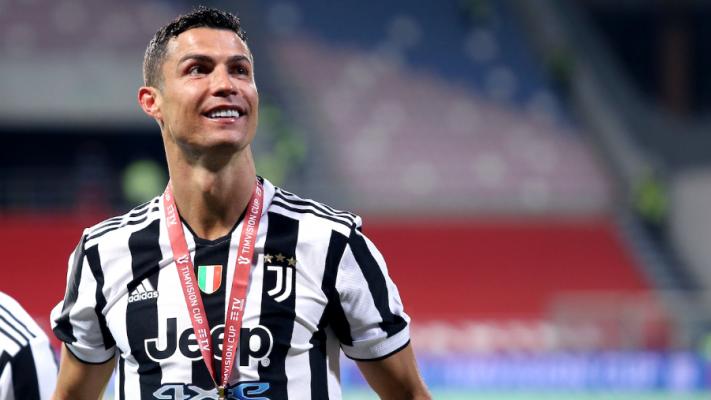 """Cristiano Ronaldo ndjek në """"Instagram"""" këngëtaren shqiptare"""