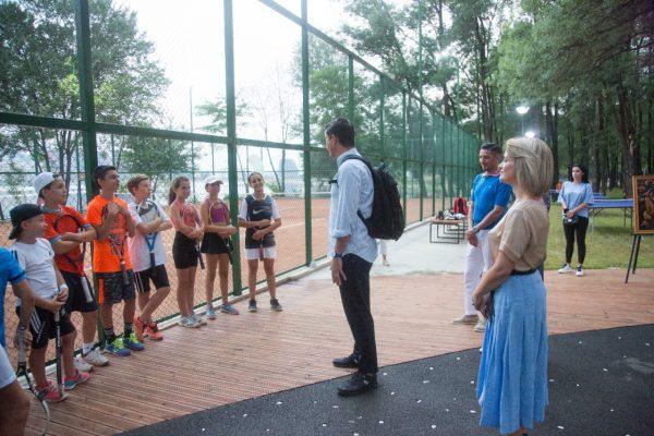 """Kryebashkiaku Veliaj inauguron fushat e tenisit te Parku i Liqenit: """" Shumë shpejt çdo shkollë me fushë tenisi"""""""
