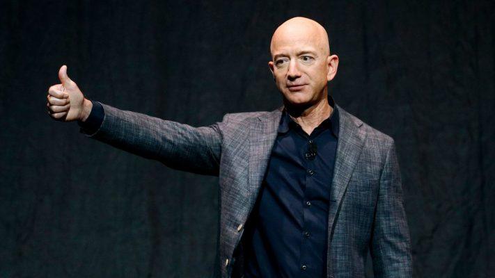 """Themeluesi i """"Amazon"""" do të udhëtojë në hapësirë"""