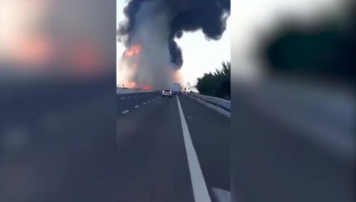 """Kamionët përplasen """"kokë më kokë"""", humbin jetën dy shoferë"""