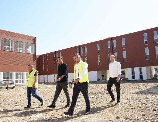 """""""Don Bosko"""" me dy shkolla të reja këtë shtator""""/ Veliaj: 2021 viti ku është punuar më shumë për arsimin se në 100 vitet e Tiranës"""